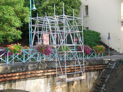 Echafaudage roulant suspendu pont Agen