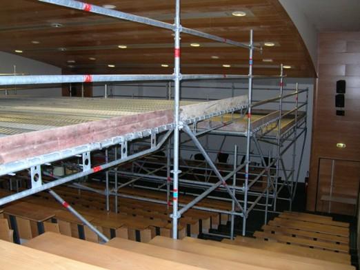 Plateforme de travail dans l'amphithéâtre
